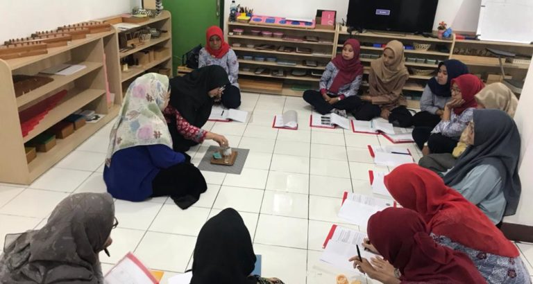 Pelatihan dasar sekolah montessori